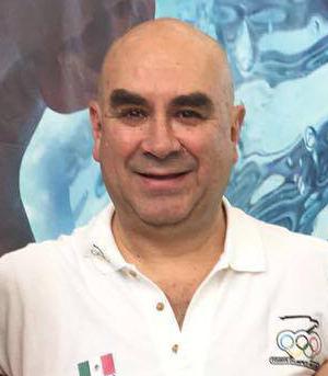Coach Alberto Calderón